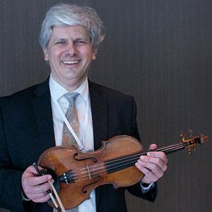 "<u><a href=""https://www.heifetzinstitute.org/program-2/faculty/2019-violin-faculty/nicholas-kitchen/"">Nicholas Kitchen</a></u>"